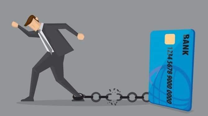 Когда банк может подать в суд на владельца кредитной карты