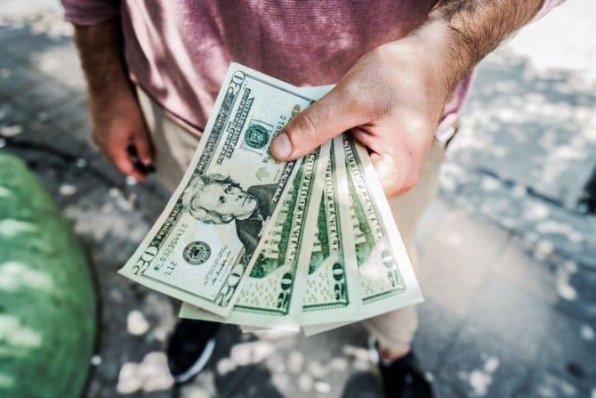 Могут ли дать пенсионеру второй кредит