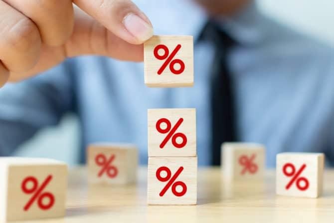 Выбор стратегии погашения при нескольких кредитах